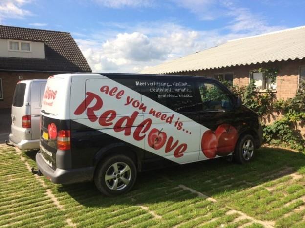 Firmenbus der holländischen Obstbaufamilie Merkens